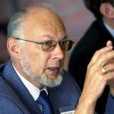 Peter Grogg an der Bilanzmedienkonferenz im April 2000 in Zürich. (Meinrad Schade / Keystone)