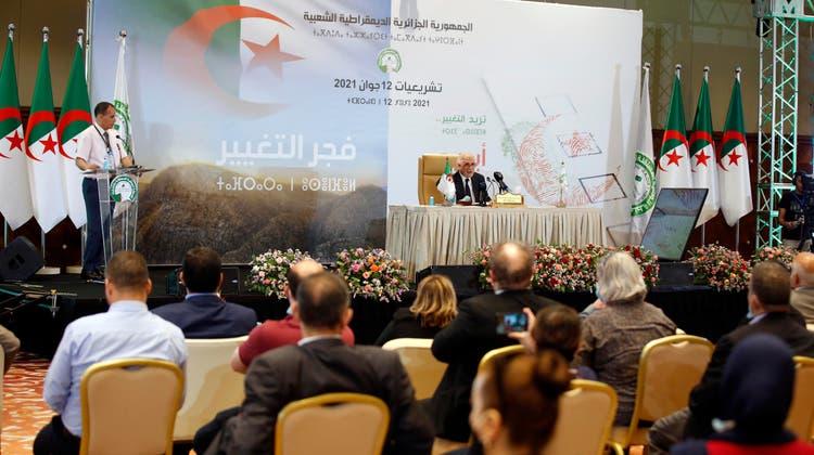 Mehr als 24 Millionen Algerier waren dazu aufgerufen, ihre Stimmen für das Parlament abzugeben. (Foto: Keystone)