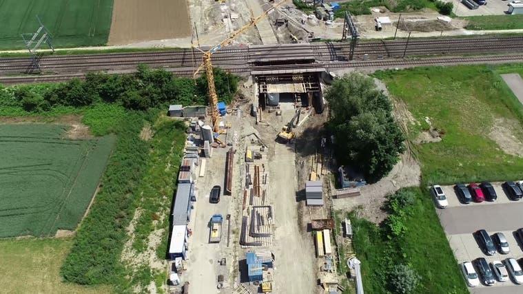 Ab dem 21. Juni gilt eine neue Verkehrsführung Baubereich Angliker-/Nutzenbachstrasse. (zvg)