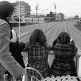Eine Autobahn, wie sie auch Genossen gefällt: autofreier Sonntag 1973. (Str / KEYSTONE)