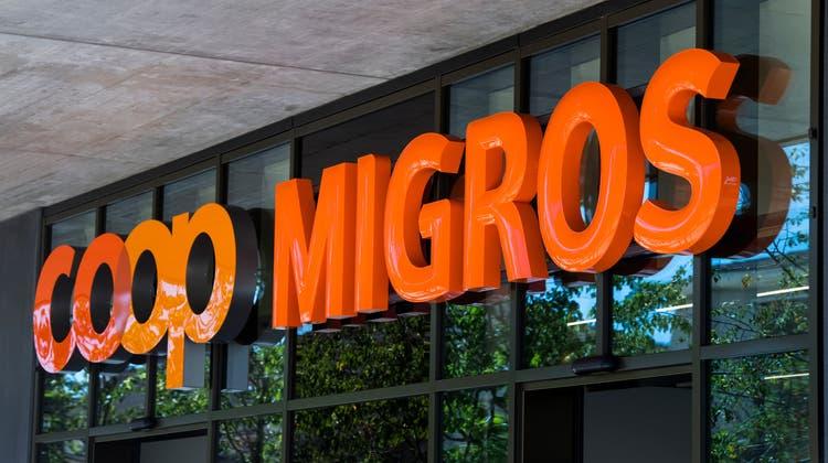 Coop vor Migros: Im ewigenZweikampf hat Coop die Migros 2020 beim Umsatzwachstum deutlich überholt. (Jean-Christophe Bott / KEYSTONE)