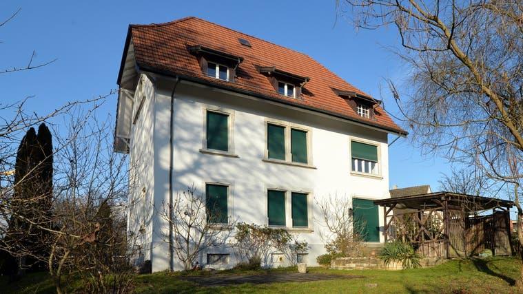 Das Sterbehospiz soll in das ehemalige Pfarrhaus Derendingen ziehen. (Hans Peter Schläfli)