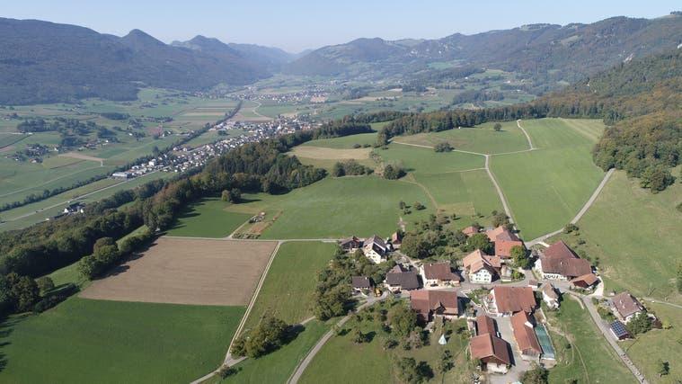 Der Weiler Höngen und im Hintergrund Laupersdorf. Die Jahresrechnung 2020 der Einwohnergemeinde schliesst mit einem Ertragsüberschuss. (Bruno Kissling)