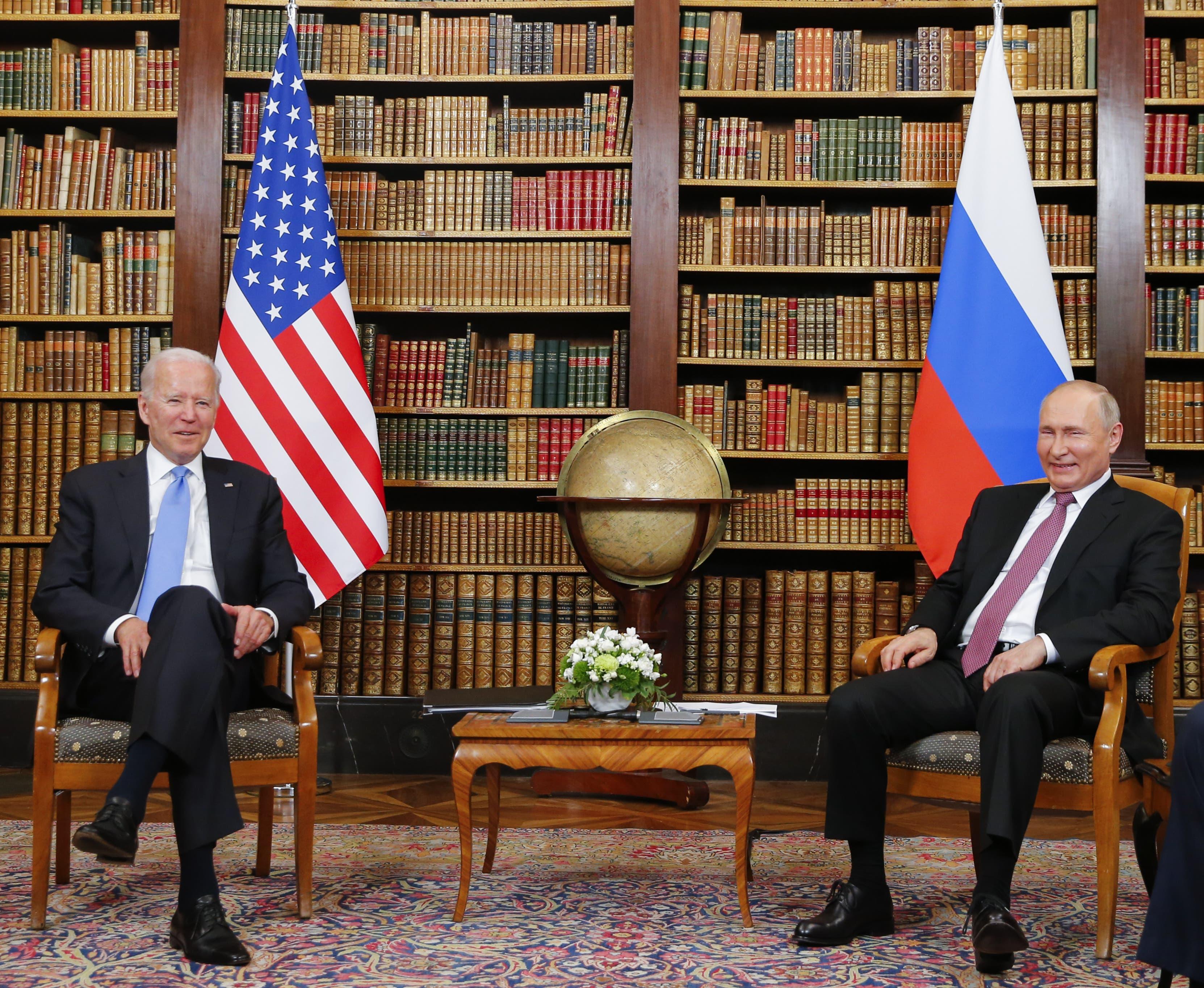 13.42 Uhr: Fototermin Die zwei Staatsmänner stellen sich zuerst den Fotografen.