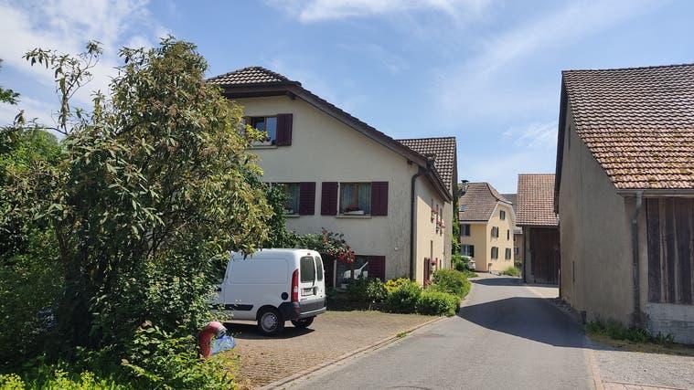 Die Egliswiler machen sich Sorgen um ihr dörfliches Ortsbild, hier die Engelgasse. (Valérie Jost /Aargauer Zeitung)