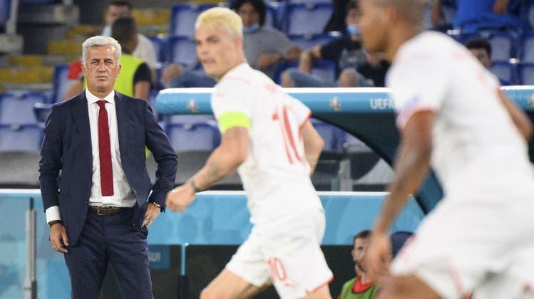 Der richtige Trainer und der richtige Captain? Fragen über Fragen nach der Pleite gegen Italien. (Jean-Christophe Bott / KEYSTONE)