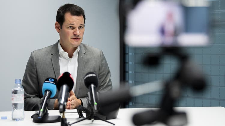 Zwei RTS-Berichte über Pierre Maudet seien«voreingenommen und intransparent» gewesen, urteilt die UBI. (Archivbild) (Keystone)