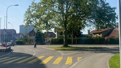 An der Kreuzung Aargauerstrasse und Zentralstrasse in Wohlen wird der Kreisel nun erst im Frühling 2022 gebaut. (Marc Ribolla)