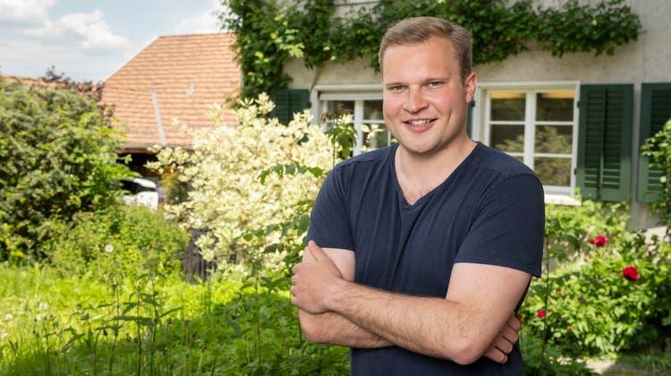 In diesem Haus auf der Baldegg in Baden verbrachte Luzius Bill seine ersten Schultage – heute steht er kurz vor der Anwaltsprüfung. (Alex Spichale / AGR)