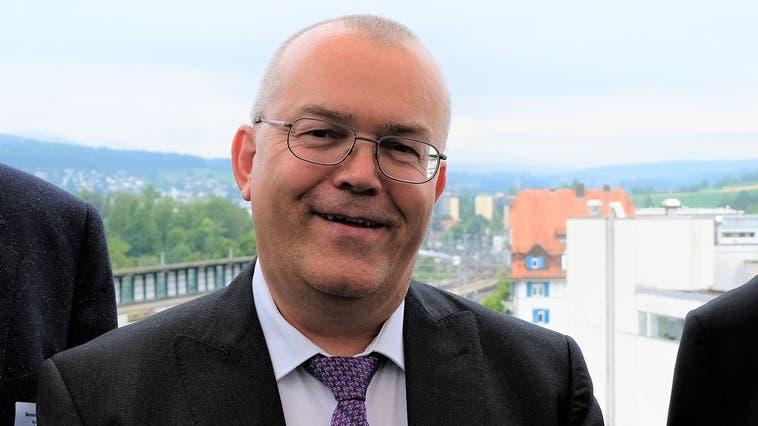 «Frei von äusserem Druck und gesundheitlichen Zwängen» wird Stephan Aeschbacher 2022 das Bezirksgericht Dietikon in neue Hände übergeben. (David Egger (Dietikon, Juli 2018))