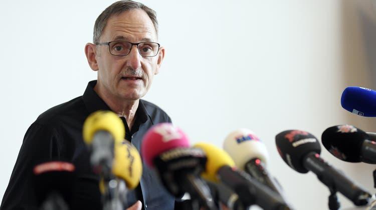 Der Zürcher Regierungsrat Mario Fehr gibt an einer Medienkonferenz seinen sofortigen Austritt aus der SP bekannt. (Walter Bieri / KEYSTONE)
