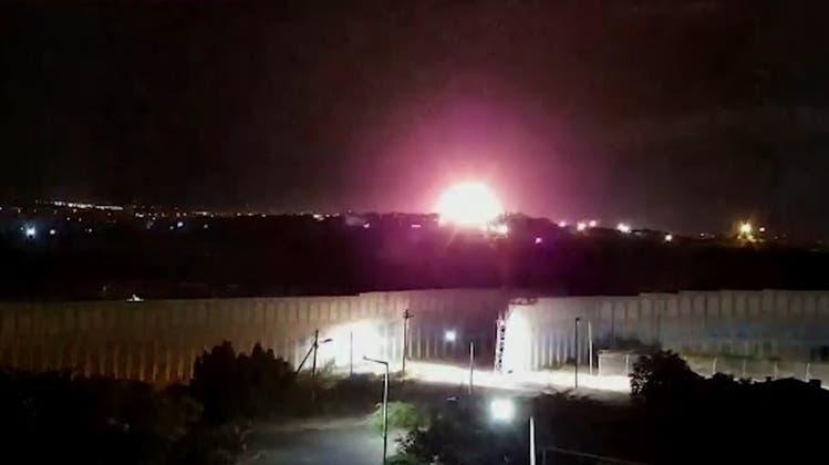 Ein von einem israelischen Luftangriff zerstörtes Gebäude im Gazastreifen. (Archivbild) (Keystone)