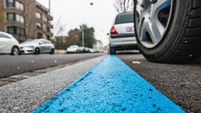 Basel-Stadt baut weitere 214 Parkplätze ab und will so die Sicherheit für Velofahrende erhöhen. (Nicole Nars-Zimmer)