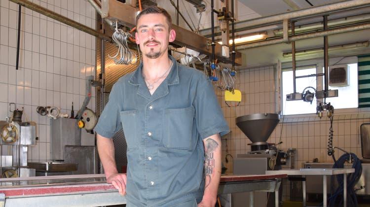 Als Notschlachter muss Adrian Klauser rund um die Uhr zur Verfügung stehen. (Bild: Lara Wüest)