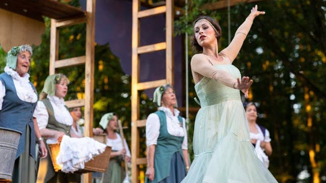 Bühne Burgäschi bietet eine vergnügliche Show mit viel Liebe