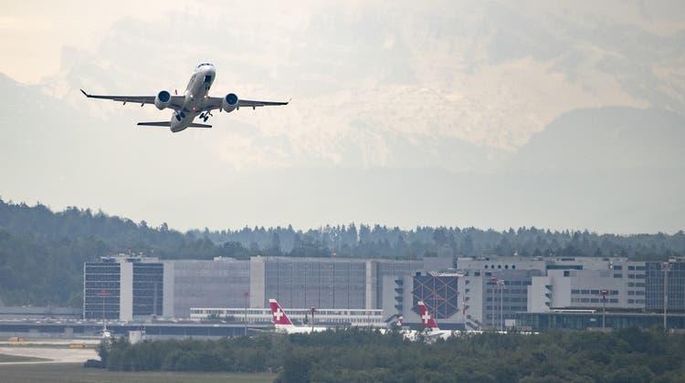 Die Steuerverwaltung forderte von der Flughafen Zürich AG für die Jahre 2012 bis 2014 nachträglich Mehrwertsteuern ein. Gemäss Behörden waren gewisse Gebühren nicht zum Normalsatz abgerechnet worden. (Archivbild: Alexandra Wey/Keystone)