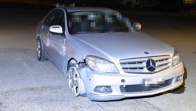 Unfall in Bazenheid gebaut: Erst nach dem Ricken konnte der Lenker angehalten werden. (Bild: kapo)