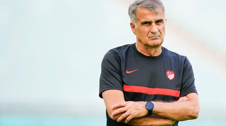 Trainer Senol Günes steht mit seinen Türken unter Zugzwang. Und selbst mit einem Sieg über die Schweiz ist die Achtelfinalteilnahme fraglich. (Freshfocus)