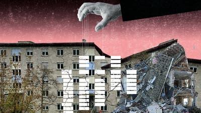 Risse in der Fassade: Der Wohnblock an der Rue du Bois-Noir 1-13 in La Chaux-de-Fonds muss evakuiert werden. (Illustration: Patric Sandri)