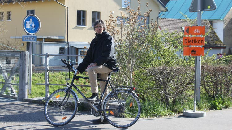 Andreas Wolf (Grüne) will vom Stadtrat wissen, für wen Gratis-WLAN in Dietikon gedacht ist. (Cynthia Mira)