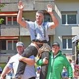 Samuel Giger, hier bei seinem Sieg in Solothurn, gewinnt auch das zweite Kranzfest der Saison überlegen. (Wolfgang Rytz)