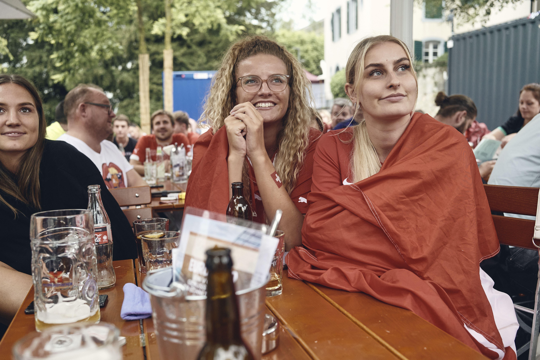 Fussball EM. Schweiz-Türkei aus dem Public Viewing im SCHLOSSBIERGARTEN AARAU.