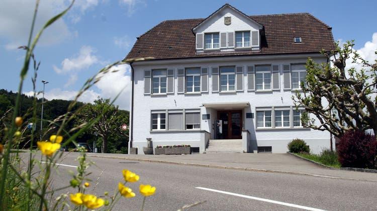 Auf der Gemeindeverwaltung Burg liegt aktuell die Teilrevision der Gewässerräume auf. (Peter Siegrist)
