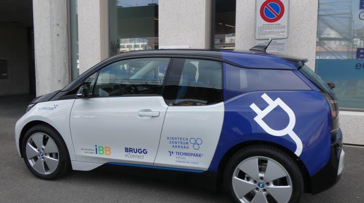 Vorgesehen ist, das Elektroauto in Villnachern in die Carsharing-Platttform E-Cargovia zu integrieren. Das Bild zeigt den Standort in Brugg. (Ina Wiedenmann (17. April 2021))
