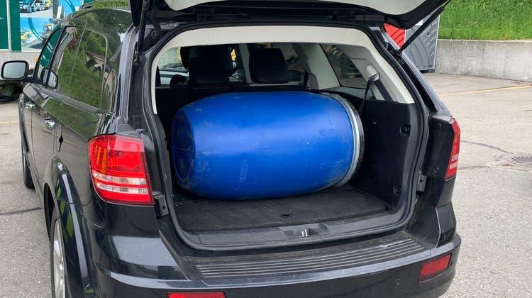 Bei Fahrzeugkontrolle: Fass mit 29 KilogrammCannabispulverentdeckt