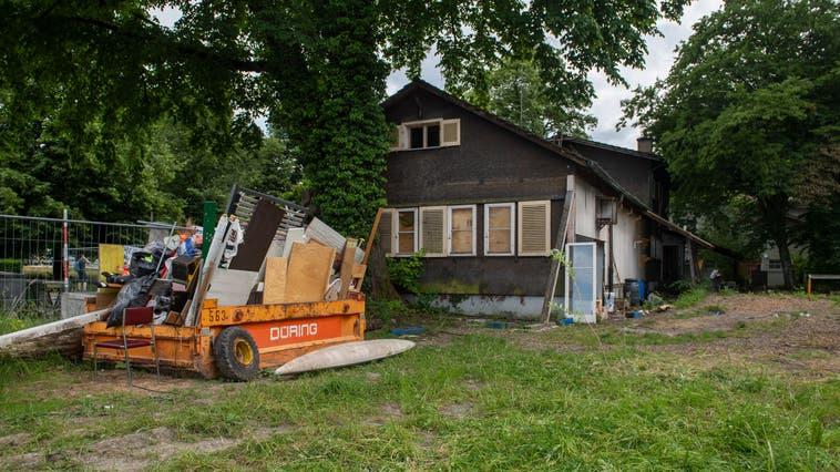 Die verlassene Soldatenstube am Murmattweg 2. (Bild: Eveline Beerkircher (Luzern, 21. Juni 2021))