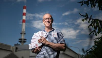 Knapp 360 Gutscheine für Abfallsackgebühren hat Musiker und FDP-Politiker Karl Schimkemit seiner Spendenaktiongesammelt. (Bild: Michel Canonica)