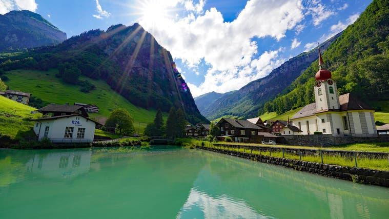 Der Stausee in Isenthal: Künftig ein Speicher für Solarstrom? (Bild: PD)