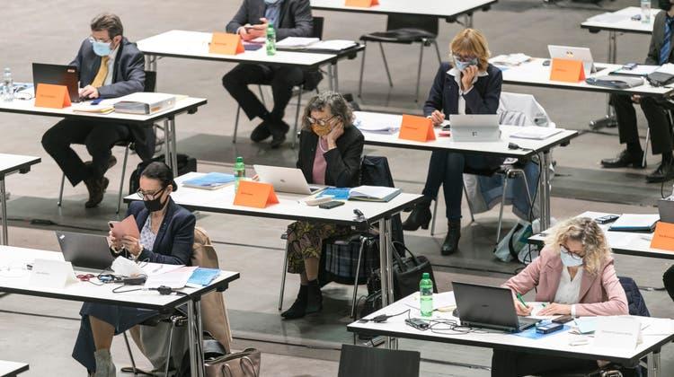 Bild einer Grossratssitzung in der Umweltarena Spreitenbach. (Sandra Ardizzone)