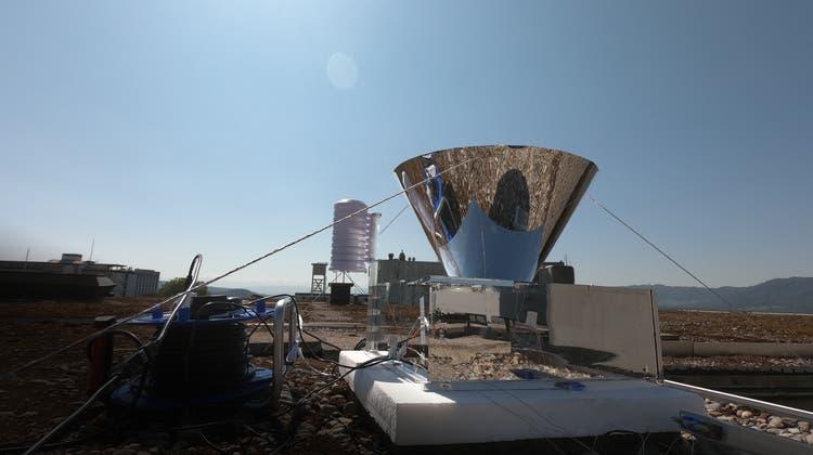 Die Pilotanlage auf einem Dach eines ETH-Gebäudes. (ETH/Iwan Hächler)
