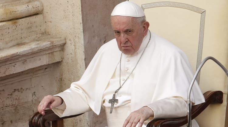 Papst Franziskus: Der Vatikan mischt sich in die Politik ein. (Andrew Medichini / AP)