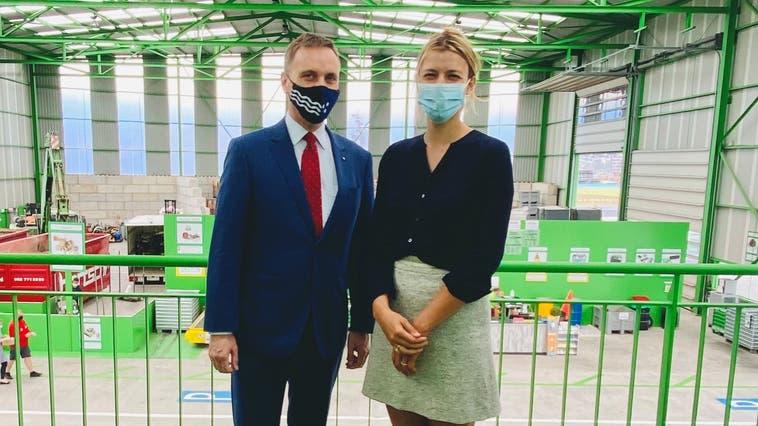 Jean-Pierre Gallati hat Karin Bertschi im Recyclingparadies Spreitenbach besucht. (zvg)