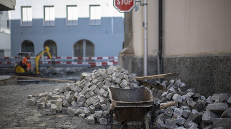 Das Bündner Baugewerbe steht erneut unter Verdacht, Submissionsabsprachen gemacht zu haben. (Symbolbild) (Keystone)