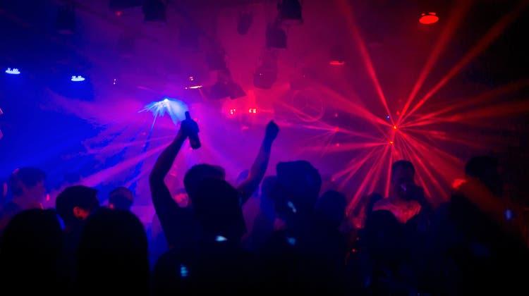 Bald kann in den Luzerner Clubs wieder gefeiert werden. (Bild: Karin Hofer)