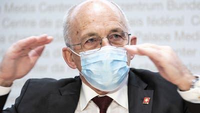 Ein Bundesrat mit zwei Gesichtern: SVP-Finanzminister Ueli Maurer. (Christian Bruna / EPA)