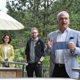 Stehen voll und ganz hinter dem Konzept der Säntis Lodge: (von rechts) Michael Thomann, Oliver Schmid und Susanne Vinzenz-Stauffacher. (Bild: Sabine Camedda)