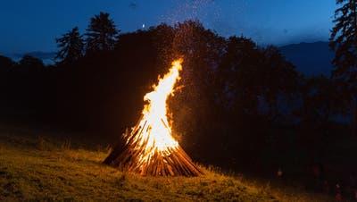Feier in Morschach: Die SVP liess am Samstag in der ganzen Schweiz die Höhenfeuer lodern. (Symbolbild) (Keystone)