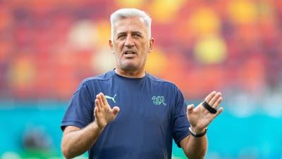 Nationaltrainer Vladimir Petkovic ist vor dem Achtelfinal entspannt. Kritik? Lässt er einfach abperlen. (Claudio De Capitani / freshfocus)