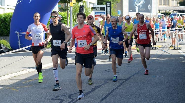 Walking mitgerechnet, haben sich über 340 Läuferinnen und Läufer beteiligt. (Hans Peter Schläfli)