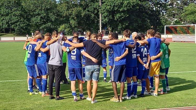 Die Mannschaft des FC Wohlen in Muttenz. (Bild: Benjamin Netz)