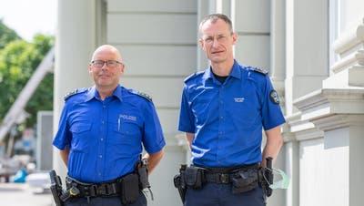 Weiterhin separat oder künftig vereint? René Lippuner, Chef der Regionalpolizei Zurzibiet und Präsident des Verbandes Aargauer Regionalpolizeien (links) mit Michael Leupold, Kommandant der Kantonspolizei Aargau. (Fabio Baranzini)