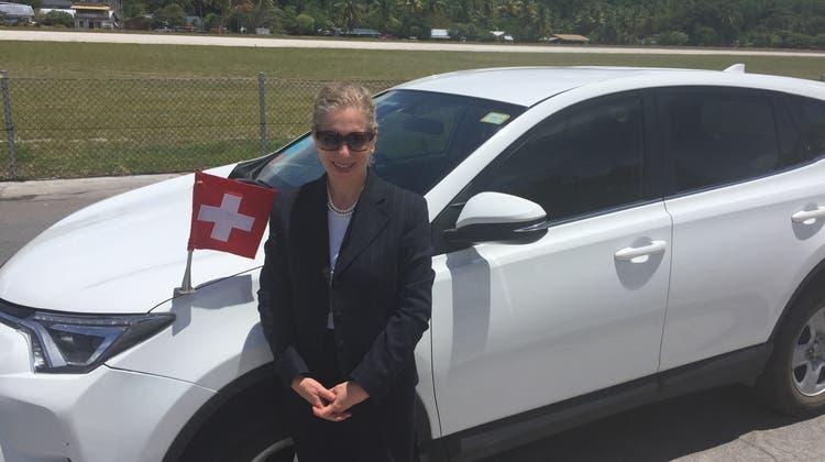 Yasmine Chatila Zwahlen ist oft auf Reisen. Hier auf offizieller Mission in Nauru, dem Inselstaat im Pazifischen Ozean. (zvg)