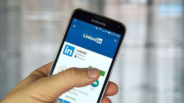 Ein Unbekannter bietet ein Archiv mit Daten, die angeblich von 700 Millionen LinkedIn-Profilen abgegriffen wurden, in einem beliebten Hacker-Forum zum Verkauf an. (Shutterstock)