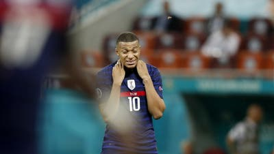 Zerstört: Kylian Mbappéentschuldigte sich auf Twitter wortreich bei den französischen Fans. (Keystone)