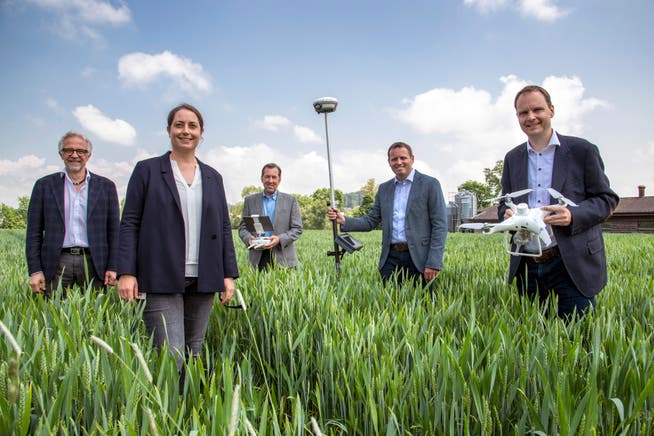 Representatives of test station partners: Ulrich Ryser, Director of Agridea, Nadja El Benni, Head of Competitiveness and System Assessment Agroscope, Christian Eggenberger, Head of Consulting BBZ Arenenberg, Ueli Bleiker, Head of the Thurgau Agricultural Office and Marcus Lohmann, Head of the Schaffhausen Agricultural Office.