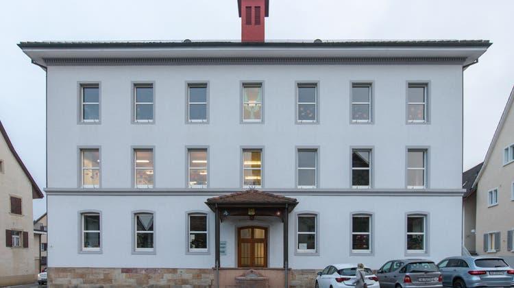 Der Kindergarten – heute im obersten Stockwerk des alten Schulhauses Mitteldorf untergebracht – soll zum Schulhaus Brugglismatt zügeln. (Claudio Thoma(23. November 2018))